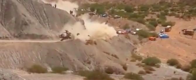 Rally Dakar, le immagini del pauroso incidente a Carlos Sainz (VIDEO)