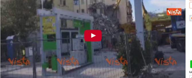 Al via la demolizione della palazzina di Ponte Milvio crollata a settembre (Video)