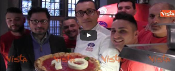 E lo chef dedica a Maradona una pizza. Numero 10 ovviamente (Video)