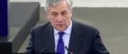 """Coro di urrà per Tajani. C'è chi dice """"ni"""". Meloni: si liberi dagli usurai Ue (video)"""