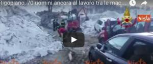 Rigopiano, ancora 70 uomini al lavoro tra le macerie in quell'area devastata (video)