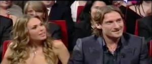 """Totti torna al festival di Sanremo con un ruolo da """"comico"""" (video)"""