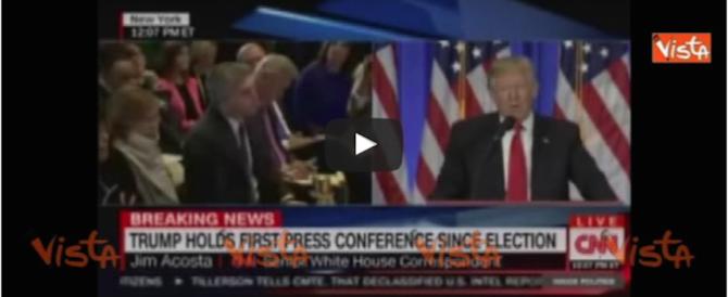 Trump reagisce alle provocazioni. E zittisce il giornalista clintoniano (video)