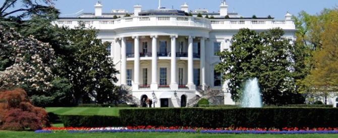 Trump crede alle fake news? Colpa dei collaboratori. La Casa Bianca vieta le veline