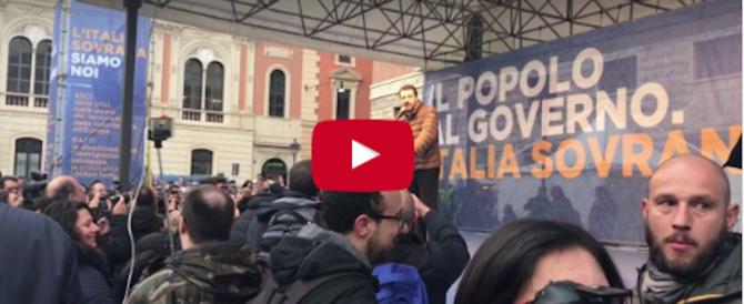 """Salvini: """"Napolitano traditore degli italiani, che devono pure mantenerlo"""" (video)"""
