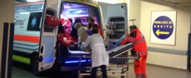L'ambulanza è senza catene: la corsa di un papà per salvare la vita del figlio