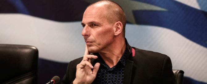 Varoufakis lancia il suo partito in Italia: io posso battere i Cinquestelle