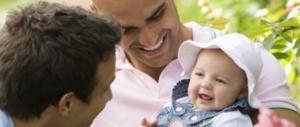 Bagnasco contro le adozioni gay: «I bambini hanno diritto a mamma e papà»