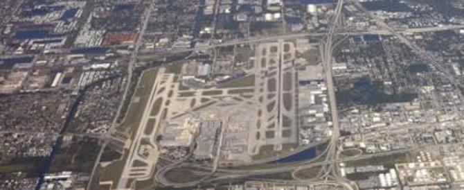 Florida, un killer semina morte all'aeroporto. Catturato dopo gli spari
