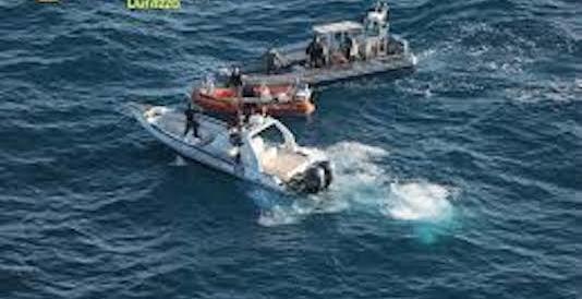 8 quintali di droga in motoscafo: arrestati 2 italiani e un albanese