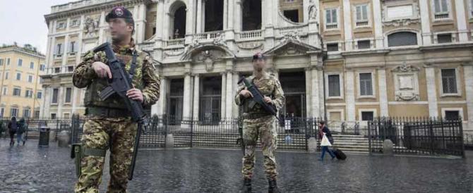 Paura in Vaticano: due religiosi sfregiati nella chiesa più sicura di Roma