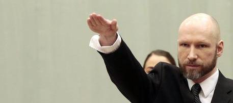 Anders Breivik: il saluto nazista in aula? E' un segno di solidarietà