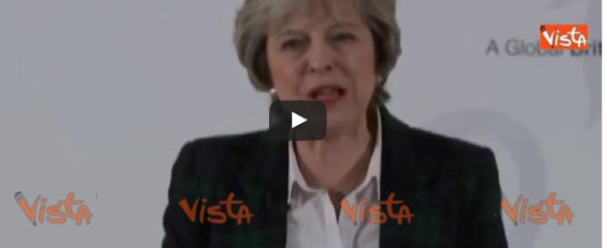 Brexit, la May fa sul serio: «Fuori la GB dal mercato unico europeo» (video)