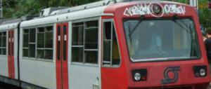 Napoli, sui treni della Circumvesuviana continue aggressioni. L'Eav: è guerra