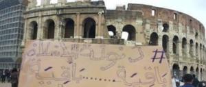 Due turisti scavalcano il cancello del Colosseo. E se fossero stati terroristi?
