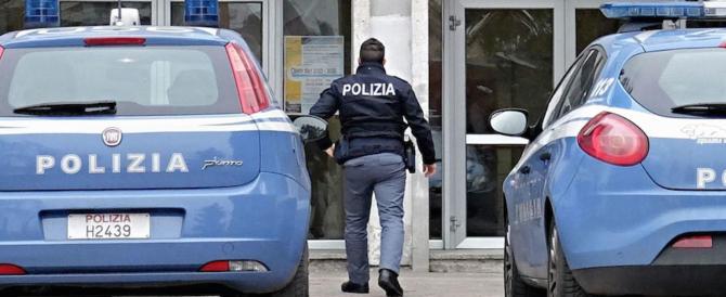 Roma, finti poliziotti romeni rubano 5mila euro a una coppia di turisti