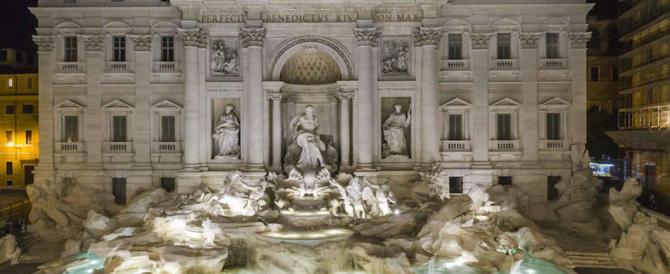 Scandalo a Fontana di Trevi: cucine sporche e surgelati serviti come freschi