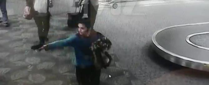 Santiago spara su inermi passanti. Dal sito 'TMZ', la strage di Lauderdale (video)