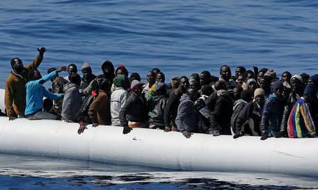 Sardegna: 2 milioni di euro, ma solo per rifugiati vari. Italiani rivolgersi altrove…