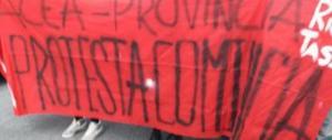 Roma, liceali in piazza: «Siamo senz'acqua e senza riscaldamenti»