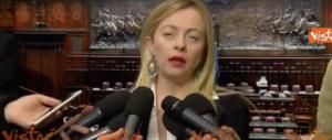 """La Meloni incalza Forza Italia: """"Decida: con la destra o con Renzi"""" (video)"""