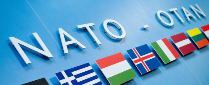 Usa e Russia d'accordo: oggi la Nato è solo un dinosauro anacronistico
