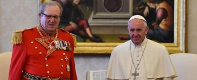 Il Papa fa dimettere il Gran Maestro dell'Ordine di Malta. Per i preservativi