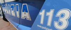 Spacciatore e rapinatore di negozietti armato di bastone: arrestato a Roma