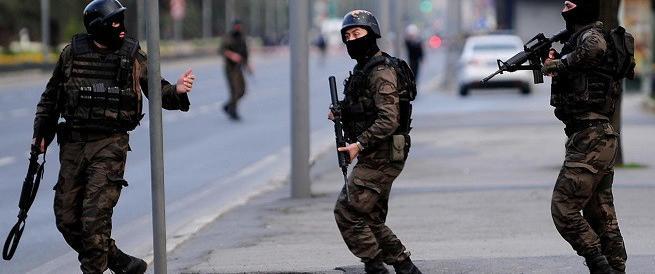 ***FLASH*** Istanbul, è di nuovo violenza: sparatoria davanti a una moschea