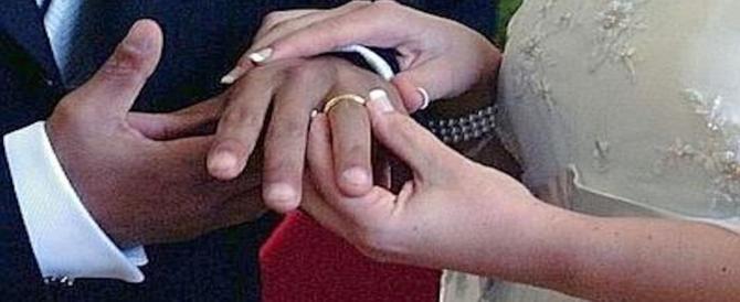 """Nigeriano e italiana """"promessi sposi"""": arrivano i carabinieri e saltano le nozze"""