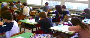 """Un """"tetto"""" ai bambini stranieri in classe: la decisione storica del Veneto"""