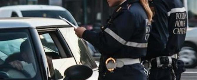 A Roma e Milano record di multe: incassi d'oro sulla pelle dei cittadini