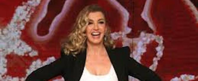 """Milly Carlucci ha paura della De Filippi e fa slittare """"Ballando con le stelle"""""""