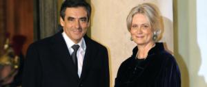 Passo falso di Madame Fillon: nel 2007 giurò «mai lavorato per mio marito»
