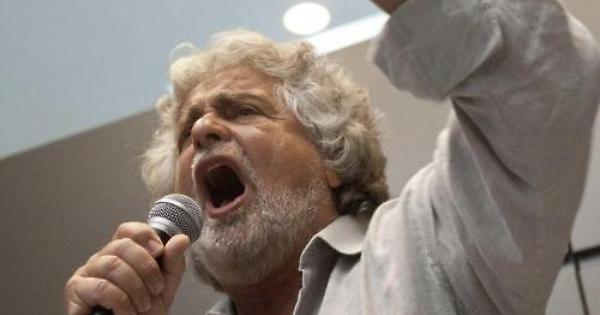 È sempre guerra tra M5S e dem, Grillo: «Napolitano ordina e il Pd ubbidisce»