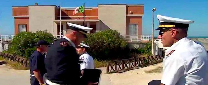 Ostia, l'incubo mafioso del Pd: 7 condanne per le concessioni balneari (video)