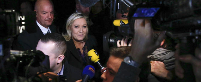 Contro Marine Le Pen lo stesso plotone che spara su Trump, Putin e Brexit