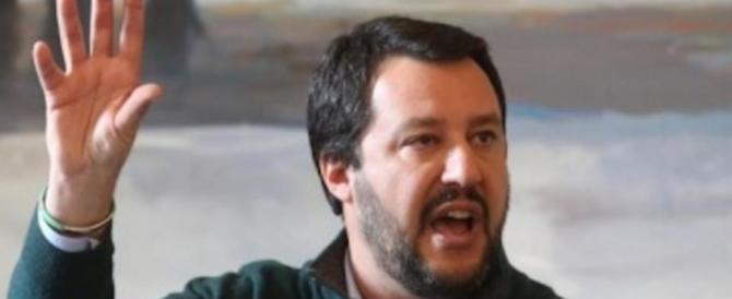 Salvini: De Magistris appoggia i delinquenti. Ed è pure un magistrato…  (video)