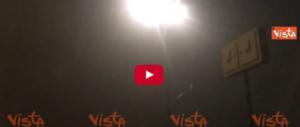 Dopo tanta neve, una coltre di nebbia avvolge Torino in atmosfere noir (video)