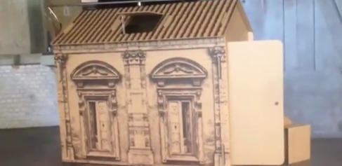 Casette di cartone per i clochard, Vittorio Sgarbi sponsor del progetto