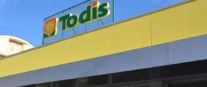 Roma, terrore nei supermercati Todis: armi in pugno contro dipendenti e clienti