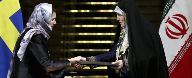 Iran, la ministra svedese indossa il velo. E' questo il governo femminista?