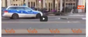 Heidelberg, tre feriti per un'auto lanciata contro la folla (VIDEO)
