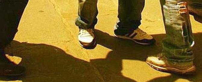 Choc a Ragusa, 13enne preso a calci e pugni da baby-rapinatori per pochi euro