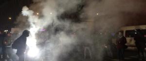 """Incredibile: i """"collettivi"""" devastano Bologna ma il Pd accusa i """"fascisti"""""""