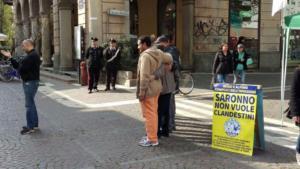Salvini condannato per questo manifesto sui clandestini