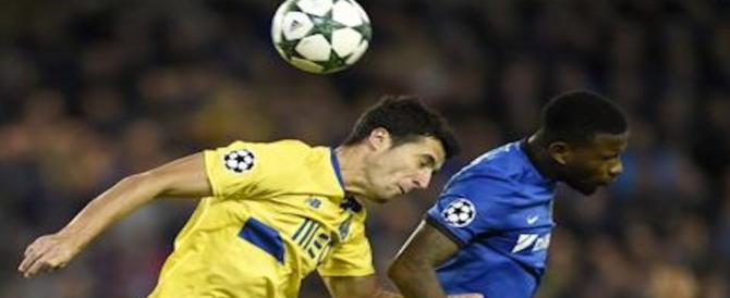 Panico tra i calciatori, uno studio teorizza il legame tra colpi di testa e demenza