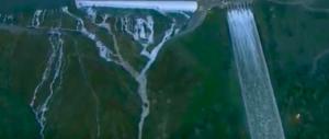 Si rischia l'apocalisse nella più grande diga Usa: evacuate 160mila persone (video)