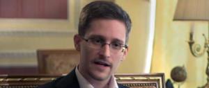 """Mosca potrebbe consegnare Snowden a Trump come """"segno di pace"""""""