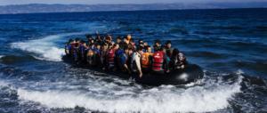 Era a capo di un giro d'affari da milioni di euro: estradato eritreo per traffico di migranti